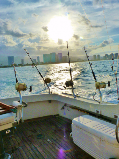Island charters sport fishing in honolulu hawaii us for Honolulu fishing charters
